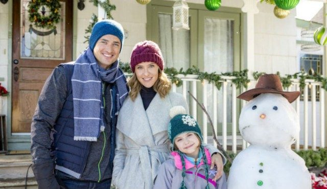 christmas-cookies-hallmark-movie-2016-exec-love-upstate-new-york-snowy-Jill-Wagner-wes-brown