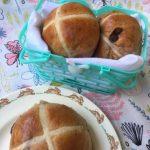 Mila Cocina: Hot Cross Buns con Chips de Chocolate